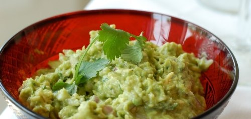 guacamole-serving-bowl