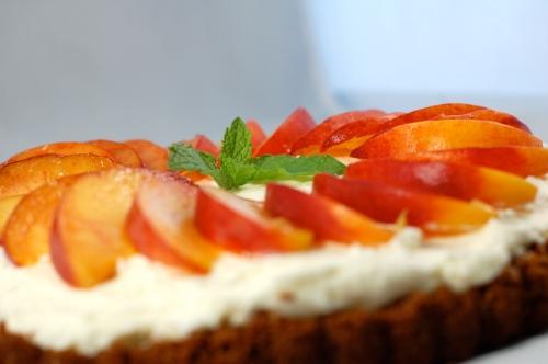 peach tart with mascarpone filling