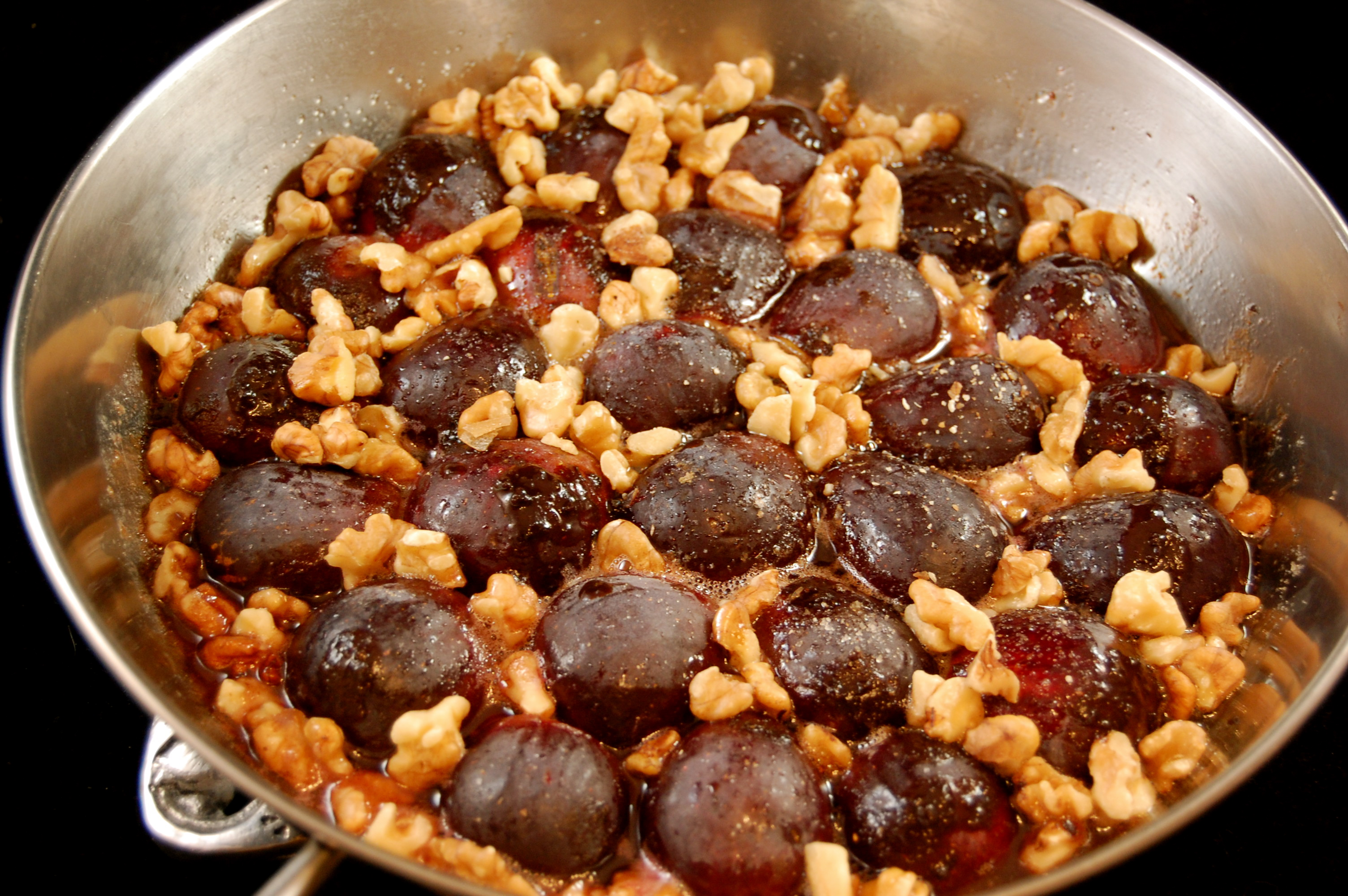 figs in pan